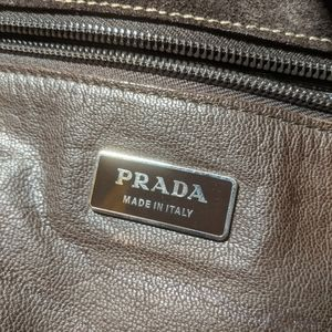 🤎 Prada suede messenger bag 🤎